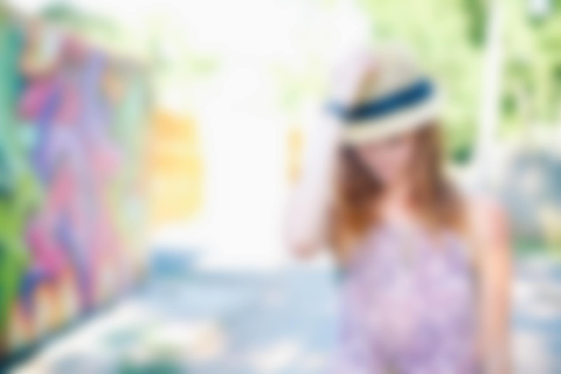 自分を探す旅をする女性