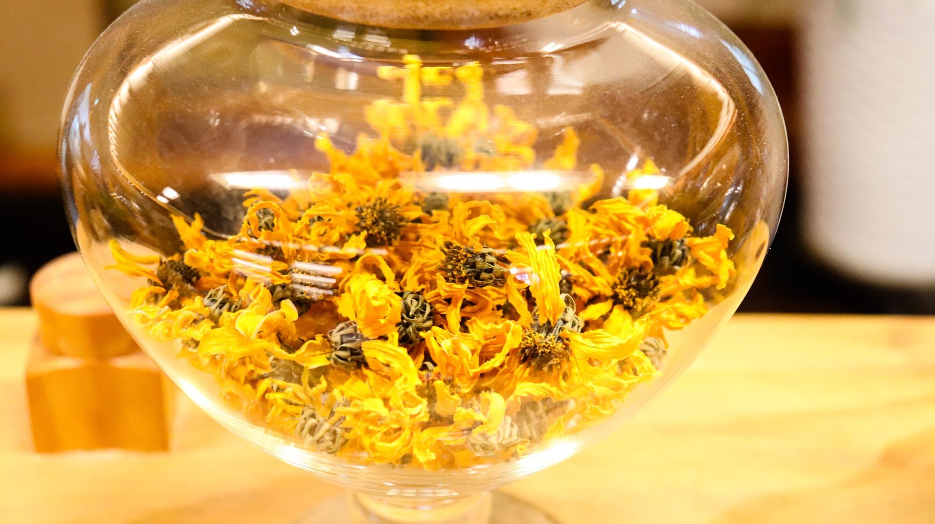菊の花を使ってエネルギーを浄化する